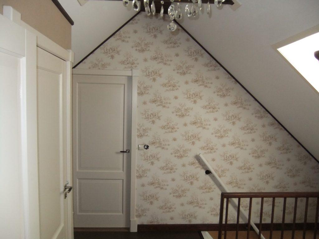 Behang en schildwerk verdieping woonboerderij