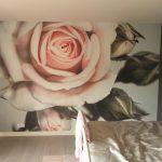 Aanbrengen van fotobehang te Dedemsvaart, Eijffinger 'Rose'